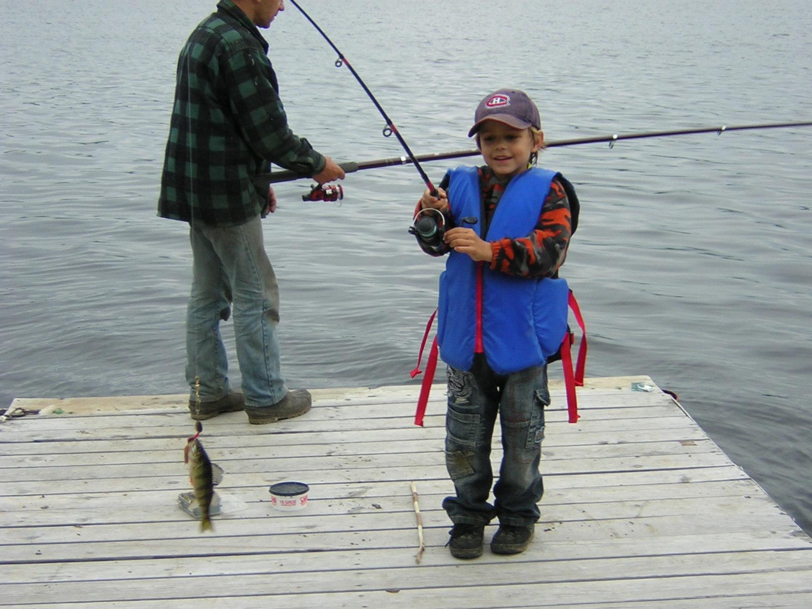 Aymeric-1ère-pêche-05.2007